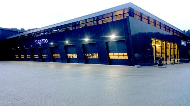 Industristein lagt som dekke hos Trucknor Hordaland.